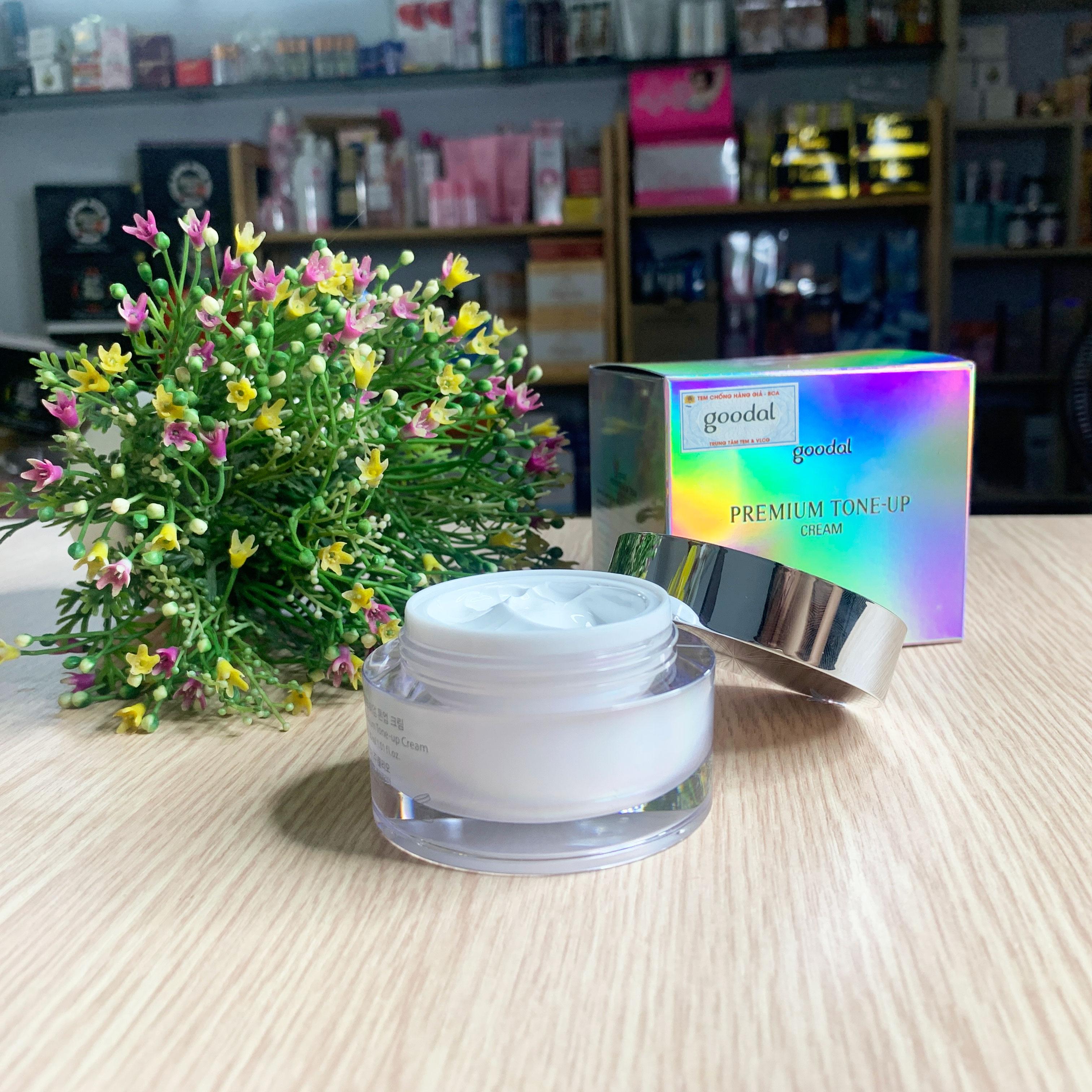 Kem Ốc Sên Dưỡng Trắng Goodal Premium Snail Tone Up Cream(Mẫu Mới 2020)