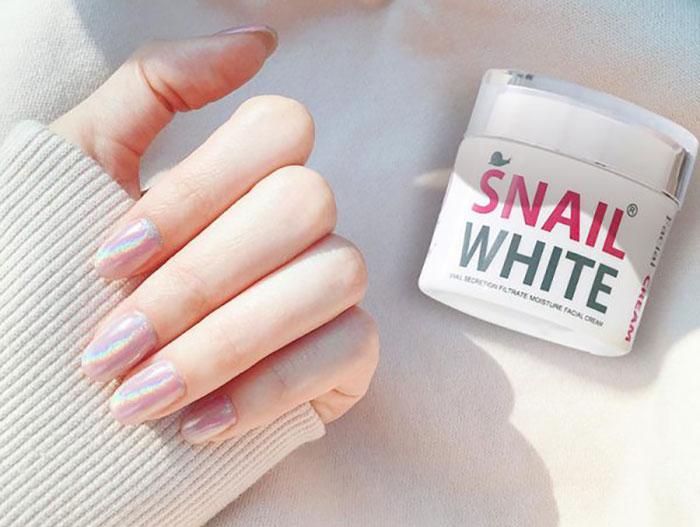 kem-duong-trang-da-tri-mun-snail-white-250ml-3591