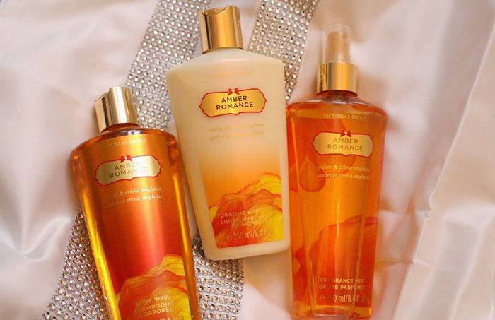 duong-the-sua-duong-the-victorias-secret-amber-romance-250ml-5176